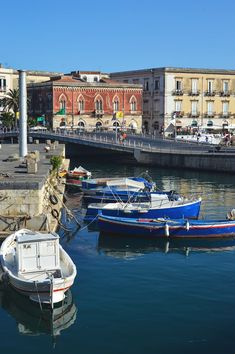Bustling markets, cathedrals, medieval palaces and a ruined temple - there's a whole lot to experience in Siracusa, Sicily Verona Italy, Puglia Italy, Sicily Italy, Venice Italy, Italy Vacation, Vacation Trips, Vacation Travel, Places To Travel, Places To Visit
