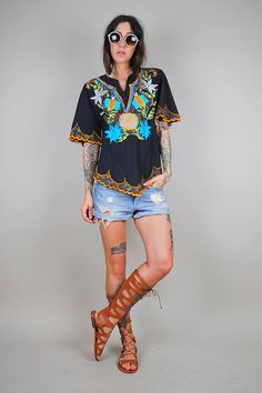 vtg 70's EMBROIDERED tropical FLORAL Cotton blouse /// NOIROHIO VINTAGE