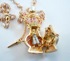 My Kirks Folly Genie in a Bottle Necklace opened up with the Genie and Lamp in their proper locations!