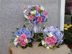 svatebni-floristika-praha-kytice-nevesty-hortenzie-ruze-frezie-trezalka-3 Praha, Bouquets, Floral Wreath, Wreaths, Decor, Floral Crown, Decoration, Bouquet, Door Wreaths