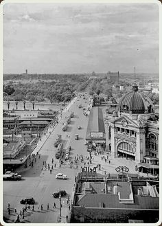 St. Kilda Rd,Melbourne.Elevated view from corner Swanston and Flinders,looking across Princes Bridge to station (year unknown) State Library of Victoria.