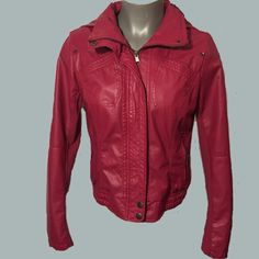 Pink faux leather bomber jacket Ci Sono pink faux leather bomber jacket with removable hood. Size Large. Fits like a medium or junior large. Jackets & Coats