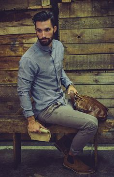 Chambray. Such a versatile shirt, especially in this classic color. Pairs great with grays, khakis, reds, greens, and almost any other color pants you can think of! I'm diggin' the collar on this particular one.