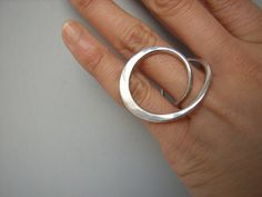 hammered silver ring ~~  minimal beauty ::  http://www.auraexhibition.co.uk/yuki.htm