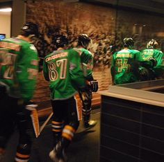 Sidney Crosby Gaelic name warm-up uniform. #Pittsburgh #Penguins St. Patrick's