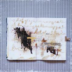 "**Mon scrap par Liliema**: ~~ Art Journal SODAlicious ~~ Using the Balzer Designs ""Cursive Alphabet"" stencil"