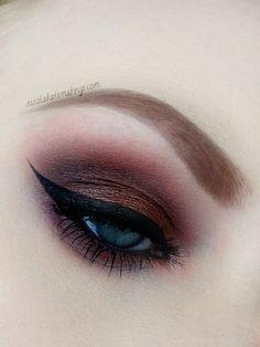 Rich brown smoky eye