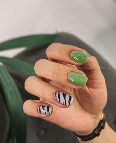 Chic Nails, Stylish Nails, Trendy Nails, Green Nail Art, Green Nails, Funky Nails, Dope Nails, Glow Nails, Minimalist Nails