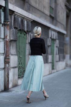 Alice  Olivia leather tea length skirt in pale blue   London via TheFashionGuitar #tznius