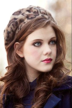 Annah (Georgie Henley) when she is full grown and after dying her hair! Georgie Henley, Narnia Lucy, Estilo Lolita, Perfect Sisters, Ginger Girls, Most Beautiful People, Actrices Hollywood, Chronicles Of Narnia, Girls Characters