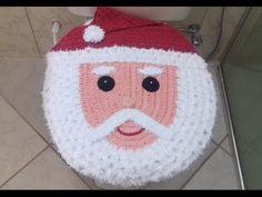 Jogo de banheiro Papai Noel em crochê 1° Parte - YouTube Crochet Santa, Christmas Crochet Patterns, Crochet Pouf, Diy Crochet, Xmas Crafts, Diy And Crafts, Christmas Stockings, Christmas Ornaments, Crochet Curtains