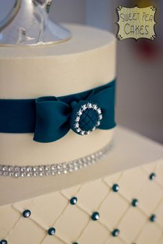 Teal Wedding Cake by Sweet Pea 0613, via Flickr - in Emerald.