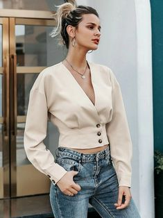 To find out about the Simplee V Neck Button Front Crop Blouse at SHEIN, part of our latest Blouses ready to shop online today! Korean Girl Fashion, Cute Fashion, Look Fashion, African Print Fashion, Fashion Outfits, Sexy Blouse, Crop Blouse, V Neck Blouse, Crop Top Outfits