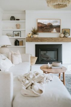 Home Decor Inspiration, Living Room Inspo, Home Living Room, Interior, Simple Fall Mantle, Home Decor, Room Inspiration, House Interior, Home And Living