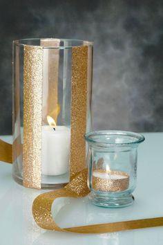 {Budget moyen = 2€} *** Idéal pour **** : Pour la décoration d'un centre de table, ou intérieur , photophore et bougie chauffe plat dorés. Ambiance/thème Gatsby, Doré pour événements : noël, soirées, mariages et autres célébrations... ***** Il faut *****: - 1 BOUGIE CHAUFFE PLAT BLANCHE http://www.ikea.com/fr - 1 VASE ou PHOTOPHORE TRANSPARENT http://www.ikea.com - 1 MASKING TAPE doré à paillettes http://www.hema.fr