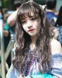 Kpop Girl Groups, Korean Girl Groups, Kpop Girls, Girl Sday, Fandoms, Entertainment, Soyeon, Fashion Quotes, Ulzzang Girl