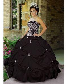 Vestido de Quince Años Charro en color negro, con detalles en ...