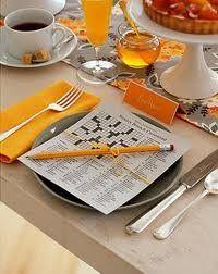 Pour passer le temps entre les plats : mots-croisés personnalisés  http://puzzlemaker.discoveryeducation.com/CrissCrossSetupForm.asp