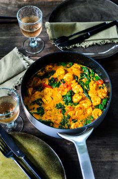 Grote garnalen met ras el hanout en groenten Large prawns with ras el hanout and vegetables Pureed Food Recipes, Veggie Recipes, Healthy Recipes, Vegetarian Cooking, Healthy Cooking, Healthy Eating, Feel Good Food, I Love Food, Curry Dishes