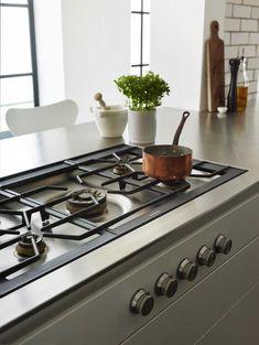stylish hob gaggenau flush gas hob with inset controls in the Kitchen Hob, Kitchen Units, Kitchen Ideas, Cheap Shelves, Kitchen Ventilation, Oven Hood, Professional Kitchen, Gas Stove, Kitchen Remodel