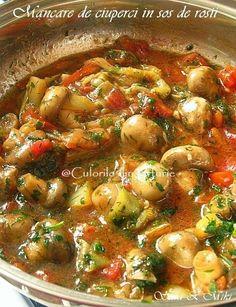 Mancare de ciuperci in sos de rosii o mancare pentru un pranz in care vrem ceva usor fara carne. Azi am pregatit mancare in sos de rosii, dar la fel de buna este si varianta in sos alb de sm… Raw Vegan Recipes, Diet Recipes, Vegetarian Recipes, Cooking Recipes, Healthy Recipes, Vegetable Dishes, Vegetable Recipes, How To Cook Mushrooms, Good Food