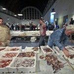 Triglie a 10 centesimi: cosa succede al mercato del pesce?