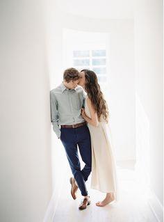 Simple Engagement Session Ideas | Wedding Ideas | Oncewed.com