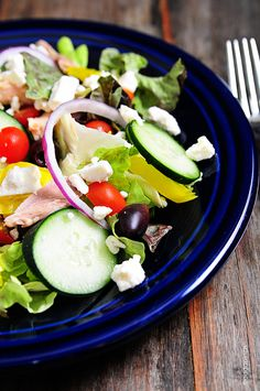 Greek Salad recipe from addapinch.com // #salad
