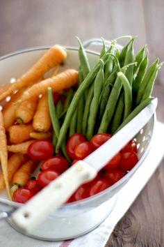 Quinoa Paella - A Healthy Vegetarian Paella Recipe - farm on plate