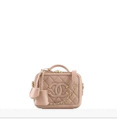 Enter the world of CHANEL and discover the latest in Fashion & Accessories, Eyewear, Fragrance & Beauty, Fine Jewelry & Watches. Fashion Bags, Fashion Backpack, Fashion Accessories, Burberry Handbags, Chanel Handbags, Designer Handbags, Chanel Vanity Case, Chanel 2017, Chanel Chanel