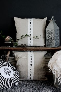 Quite simply: DIY ... stenciled pillows