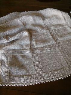 Manta para bebé de lana beig.  Hecha por María Landín                                                                                                                                                                                 Más