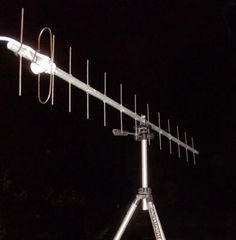 Cell Phone Booster - Dont Search High And Low - Find Out About Mobile Devices Here Fm Antenna Diy, Ham Radio Antenna, Wifi Antenna, Diy Electronics, Electronics Projects, Tv On The Radio, Create, Wi Fi, Radios