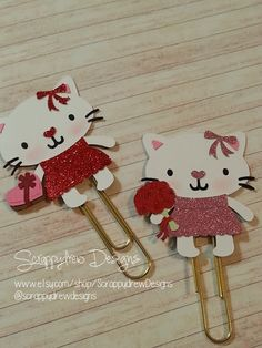 Hey, I found this really awesome Etsy listing at https://www.etsy.com/listing/249888432/valentines-date-kitty-planner-clip