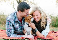 Engagement Photos with Dogs: Jaclyn Marie Photography / TheKnot.com
