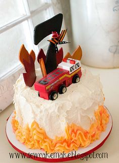 Love the flame around the bottom -- would be cute on a Halloween theme cake