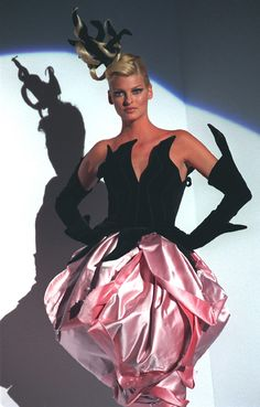 Thierry Mugler 1995-1996 Model: Linda Evangelista