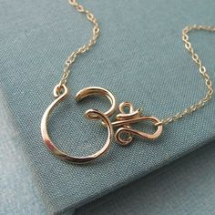 Om Necklace in 14k gold filled di Laladesignstudio su Etsy, $60.00