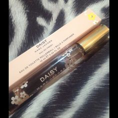 Daisy by Marc Jacobs brand new in box Daisy rollerball, great fragrance, bnib, perfect stocking stuffer... Purchased from Sephora Marc Jacobs Other
