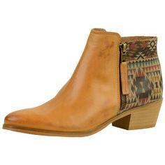 Stiefeletten mit Aztec-Print <3 Hier kaufen: http://www.stylefru.it/s08126 #Indianer #Boots