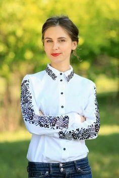 Shirt with Ukrainian folk motives stitching