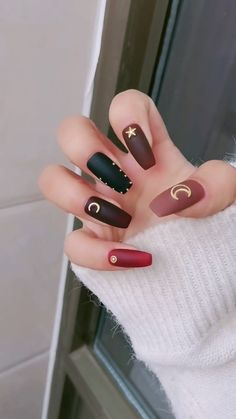 Gorgeous Nails Art Inspiration Ideas To Try This Year - This is the simplest to accomplish, needing minimum effort. Simply use different colors for each finger and get them noticed.You can get nail polishes. French Manicure Gel Nails, Matte Nails, Diy Nails, Perfect Nails, Gorgeous Nails, Pretty Nails, Cute Nail Art Designs, Nail Art Videos, Cute Acrylic Nails