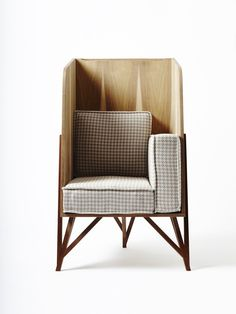 Celina reading chair