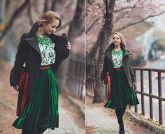 Get this look: http://lb.nu/look/8666511  More looks by Olga Choi: http://lb.nu/choiolga  Items in this look:  Romwe Glitter Skirt, Romwe Petal Blouse, Rebecca Minkoff Feed Bag   #elegant #romantic #street