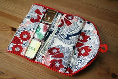 Dixie DIY: Downloadable Wallet Pattern. I love the fabric she MADE for this wallet!!! Clever way to reuse scraps:) Lovely wallet also.