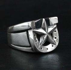 Someday I'll cough up the dough to get this ring. 13.5 is my ring size, if anyone is so inclined. : men's ring