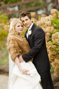 Winter Wedding Fur, Winter Wedding Bridesmaids, Winter Bride, Brides And Bridesmaids, Vintage Fur, Vintage Bridal, Vintage Glamour, Perfect Wedding, Dream Wedding