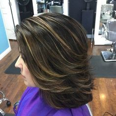 Sexy formal shag hairstyle with highlights Medium Length Hair With Layers, Medium Hair Cuts, Short Hair Cuts, Medium Hair Styles, Short Hair Styles, Hairstyles Haircuts, Cool Hairstyles, Layered Hairstyles, Hairstyle Ideas