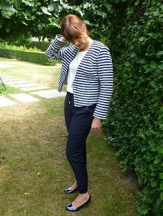 Ik zou mijn best doen om opnieuw met wat meer regelmaat een outfit te bloggen!  Na de feestoutfit voor de vormeling en de zussenoutfit toon...