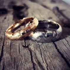Wedding Rings # Grenzenlos from our goldsmith master workshop. Be unique . Mens Gold Rings, Rings For Men, Custom Wedding Rings, Wedding Bands, Elizabeth Ii, Meghan Markle, Resin Ring, Fantasy Jewelry, Ring Bracelet